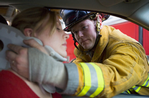 Firefighters-Saving-Woman-In-Car