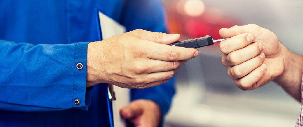 installer handing over keys to driver after ignition interlock installation